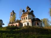 Спас-Шелутино. Троицы Живоначальной, церковь