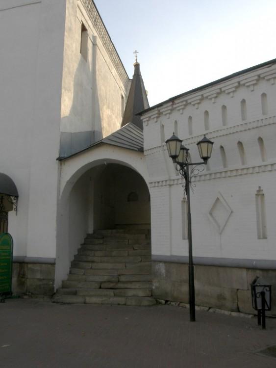 Николо-Угрешский монастырь. Часовня Николая Чудотворца в Святых воротах, Дзержинский