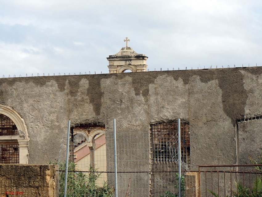 Церковь Пантелеимона Целителя в заброшенном госпитале