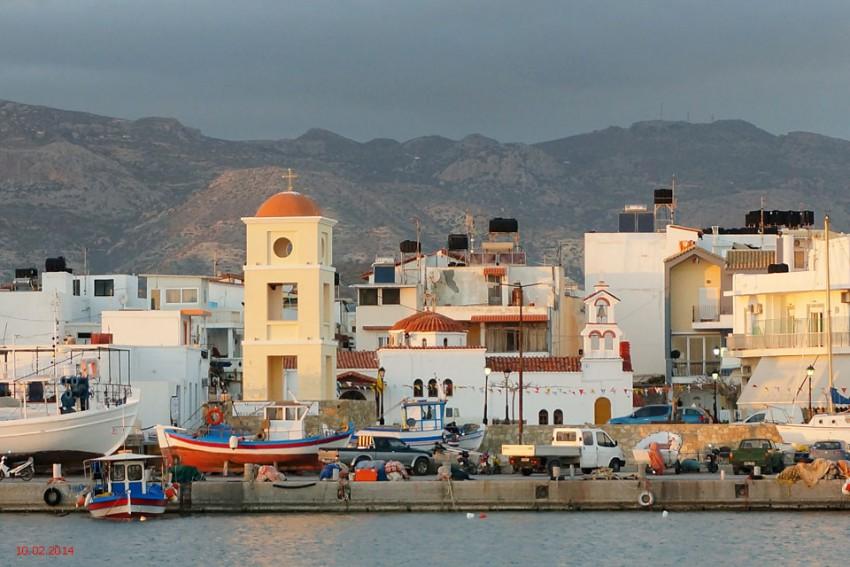 Греция, Крит (Κρήτη), Иерапетра. Церковь Христа Спасителя, фотография. общий вид в ландшафте