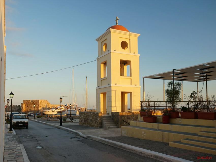 Греция, Крит (Κρήτη), Иерапетра. Церковь Христа Спасителя, фотография. фасады
