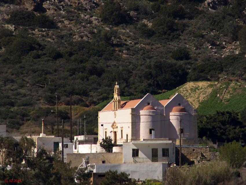 Церковь Троицы Живоначальной, Василики