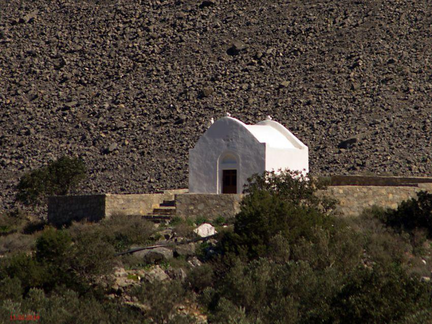 Неизвестная церковь, Монастираки