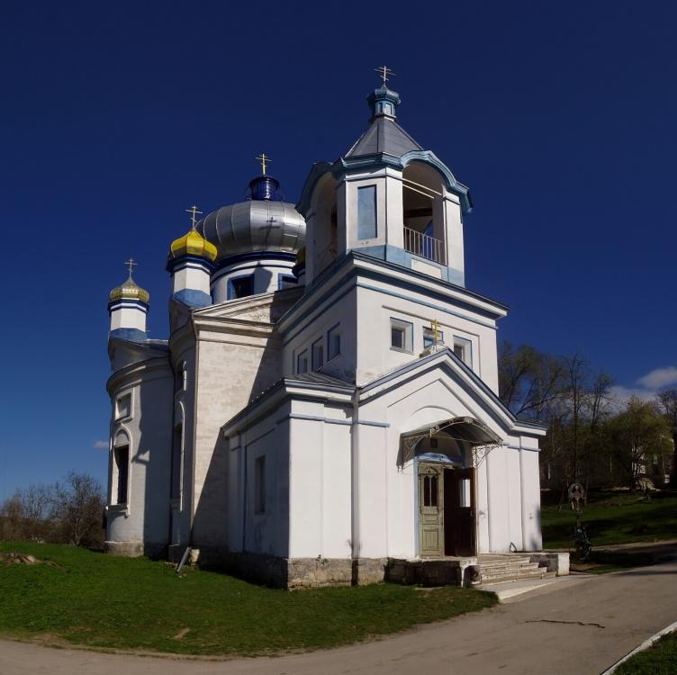 Молдова, Кишинёв, Кондрица. Никольский мужской монастырь. Церковь Николая Чудотворца, фотография. общий вид в ландшафте