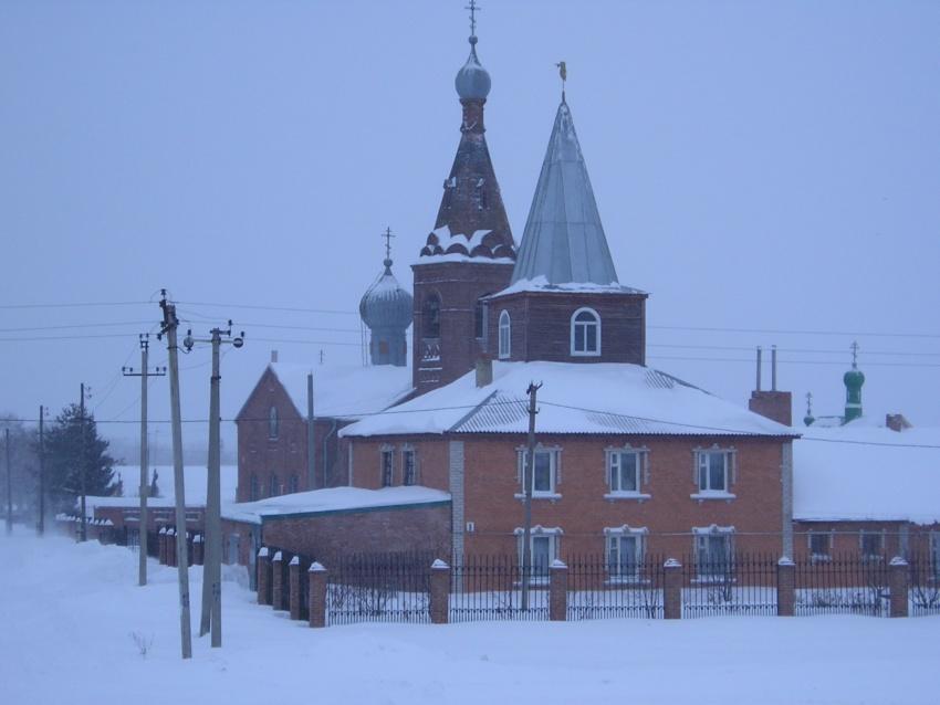 Республика Башкортостан, Кумертау, город, Ира. Марфо-Мариинский женский монастырь, фотография. общий вид в ландшафте