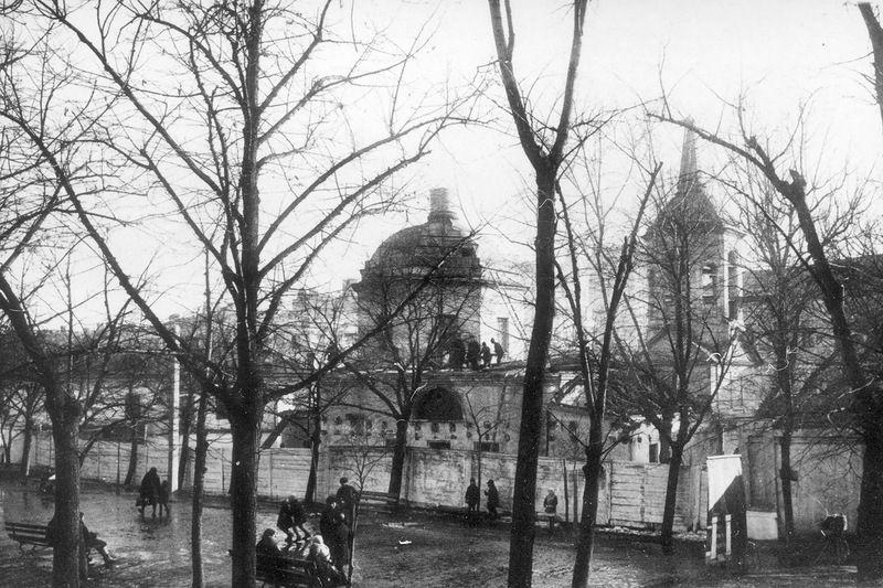 Церковь Сошествия Святого Духа у Пречистенских ворот, Москва