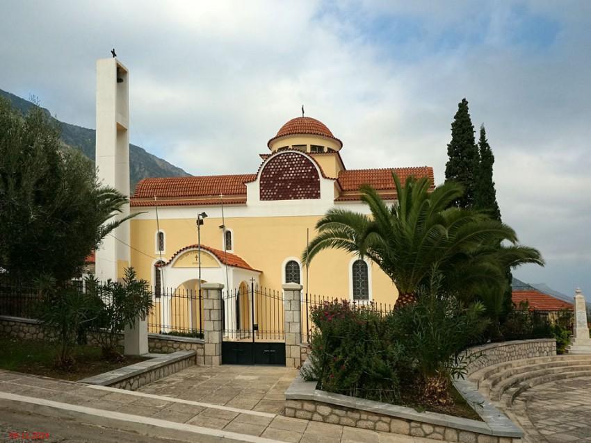 Греция, Пелопоннес (Πελοπόννησος), Поулитра. Церковь Пантелеимона Целителя, фотография. фасады