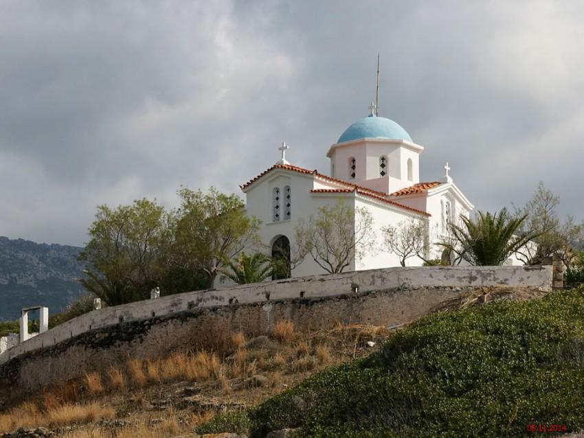 Греция, Пелопоннес (Πελοπόννησος), Палеокастро. Церковь Параскевы Пятницы, фотография. фасады