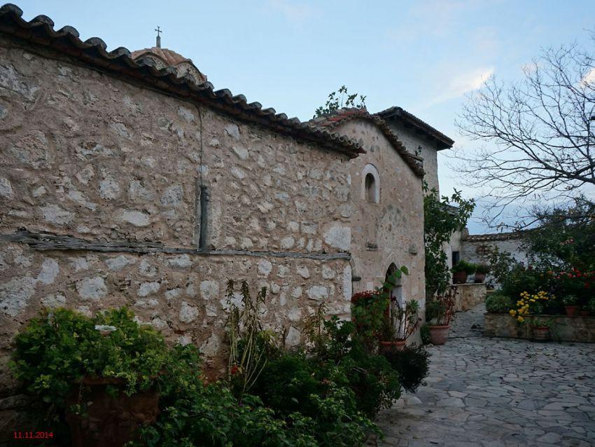 Греция, Пелопоннес (Πελοπόννησος), Агиос Власис. Монастырь Богородицы, фотография. фасады