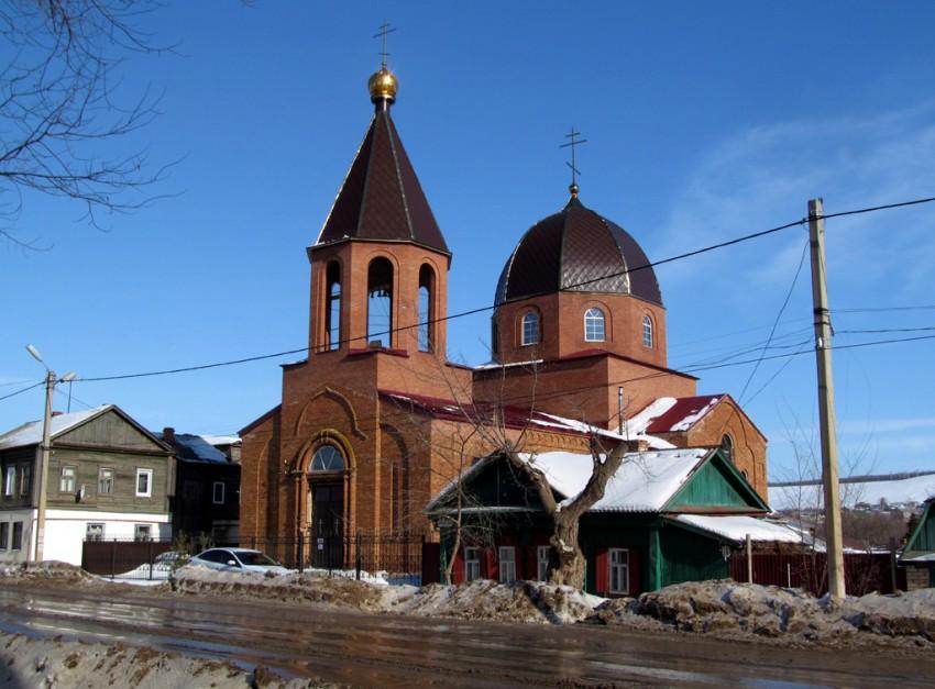 Оренбургская область, Бугурусланский район, Бугуруслан. Моленная Успения Пресвятой Богородицы, фотография. общий вид в ландшафте