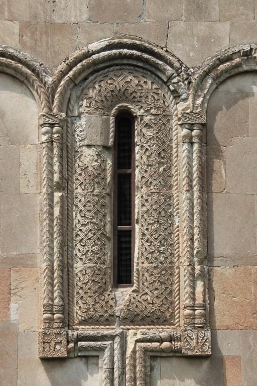 Грузия, Шида-Картли, Цинарехи. Церковь Вифлеемской иконы Божией Матери, фотография. архитектурные детали, восточное окно