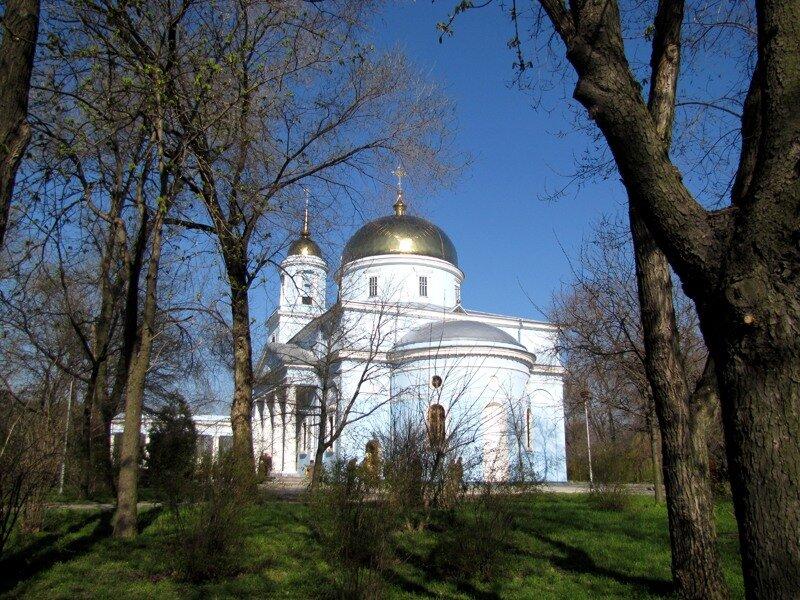 Украина, Одесская область, Измаильский район, Измаил. Кафедральный собор Покрова Пресвятой Богородицы, фотография. общий вид в ландшафте