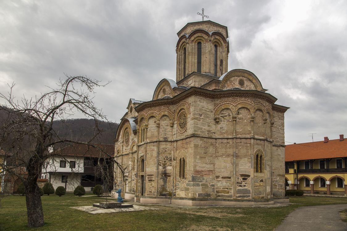 Сербия, Расинский округ, Прнявор. Монастырь Любостинья, фотография. фасады
