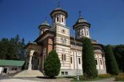 Монастырь Синая. Церковь Троицы Живоначальной - Синая - Прахова - Румыния