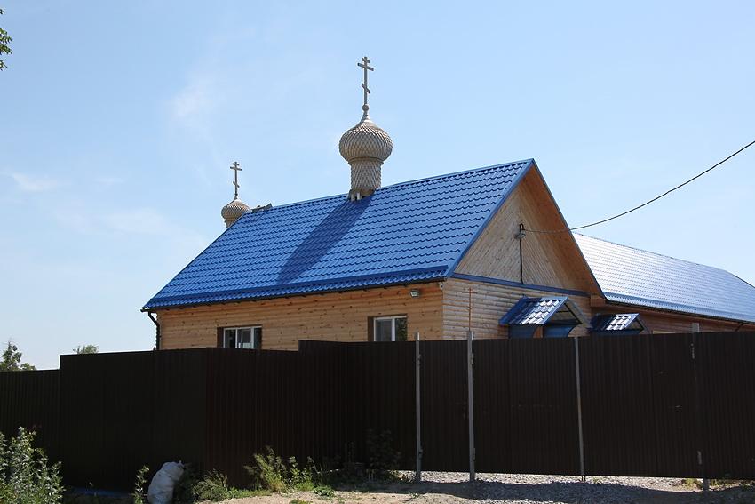 Челябинская область, Кыштым, город, Кыштым. Неизвестная часовня, фотография. фасады, Теперь часовня с куполами