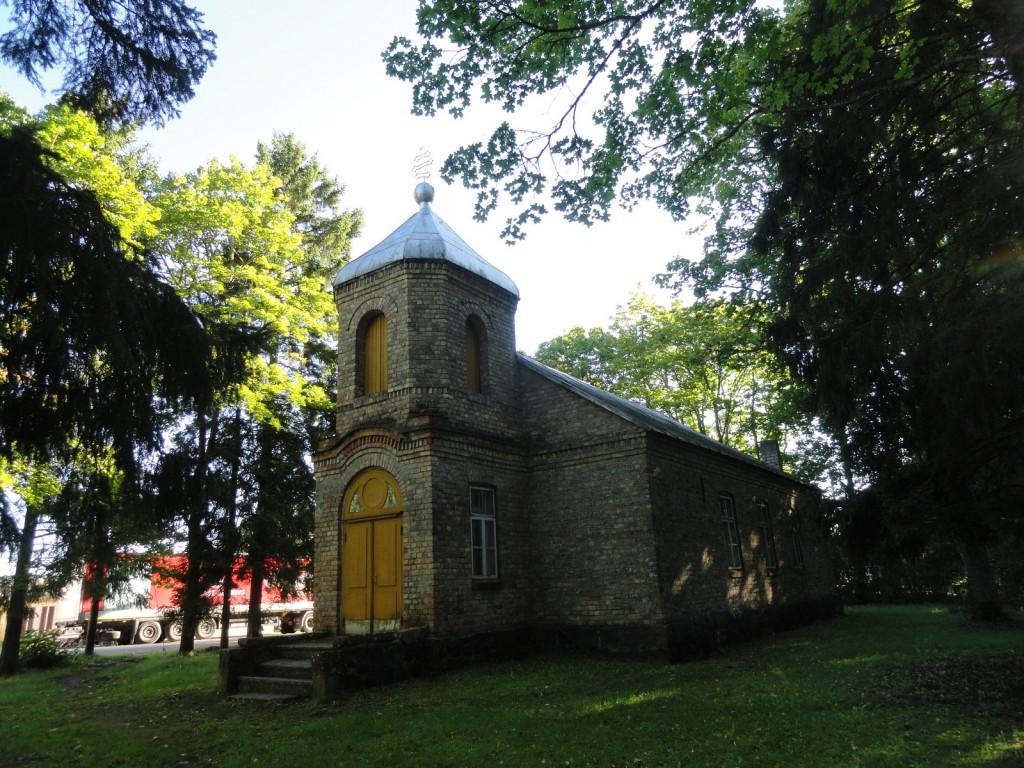 Эстония, Сааремаа, Пярсама. Церковь Иннокентия, епископа Иркутского, фотография. фасады