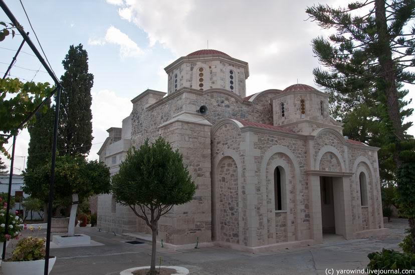 Греция, Крит (Κρήτη), Сампас. Монастырь Агаратос, фотография. фасады