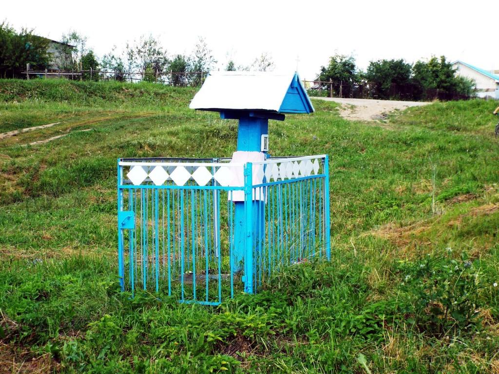 Республика Татарстан, Менделеевский район, Старое Гришкино. Часовенный столб (центральный), фотография. фасады