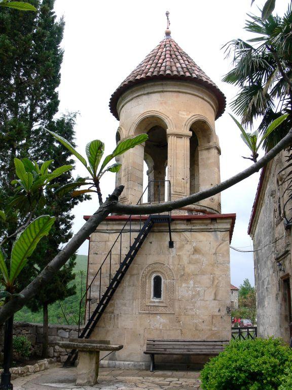 Монастырь Давида и Константина. Колокольня, Моцамета