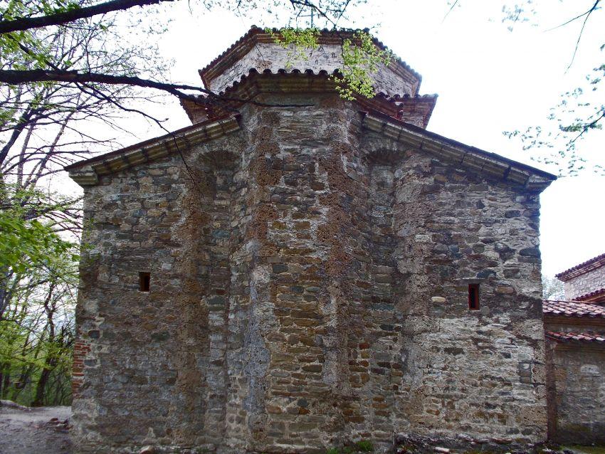 Грузия, Кахетия, Старая Шуамта. Монастырь Дзвели Шуамта. Большая купольная церковь, фотография. фасады, западный фасад