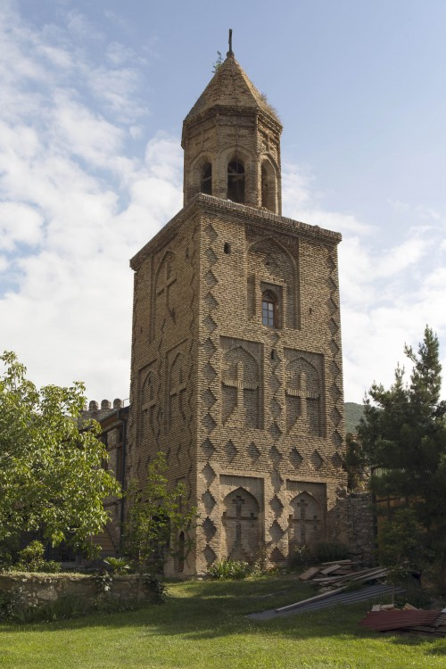 Грузия, Кахетия, Ниноцминда. Монастырь Нины равноапостольной. Колокольня, фотография. фасады, колокольня, XVI в.