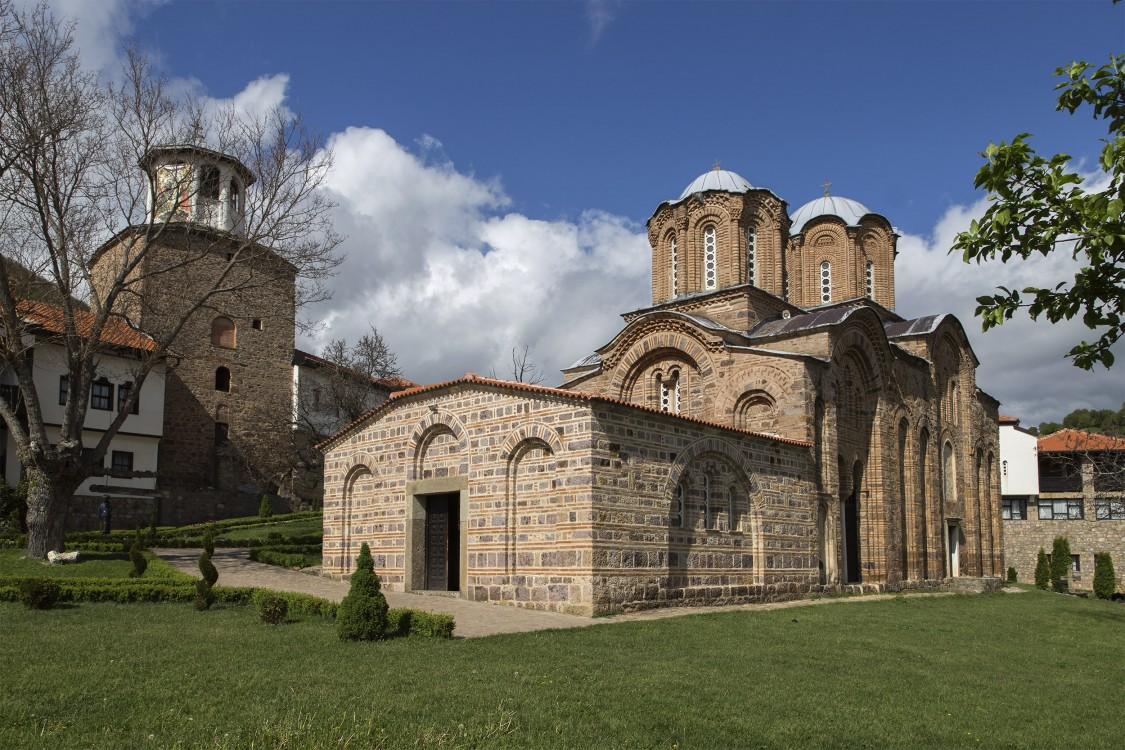 Монастырь Михаила и Гавриила Архангелов, Лесново