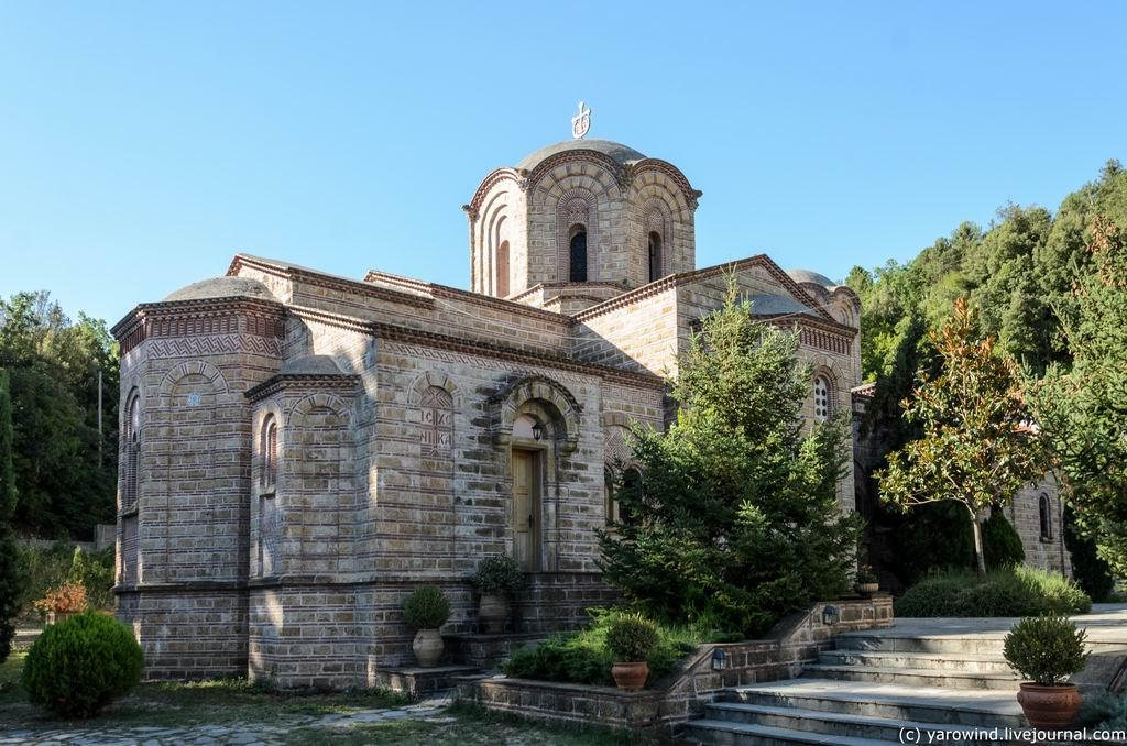 Монастырь Дионисия Олимпийского (новый), Литохоро