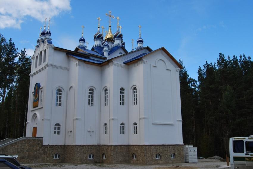 Среднеуральский женский монастырь в честь иконы Пресвятой Богородицы