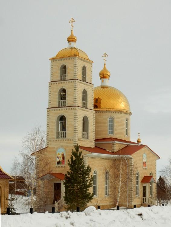 Оренбургская область, Матвеевский район, Сарай-Гир. Церковь Богоявления Господня, фотография.