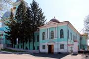 Курск. Знаменский монастырь. Церковь Трёх Святителей в Архиерейском доме