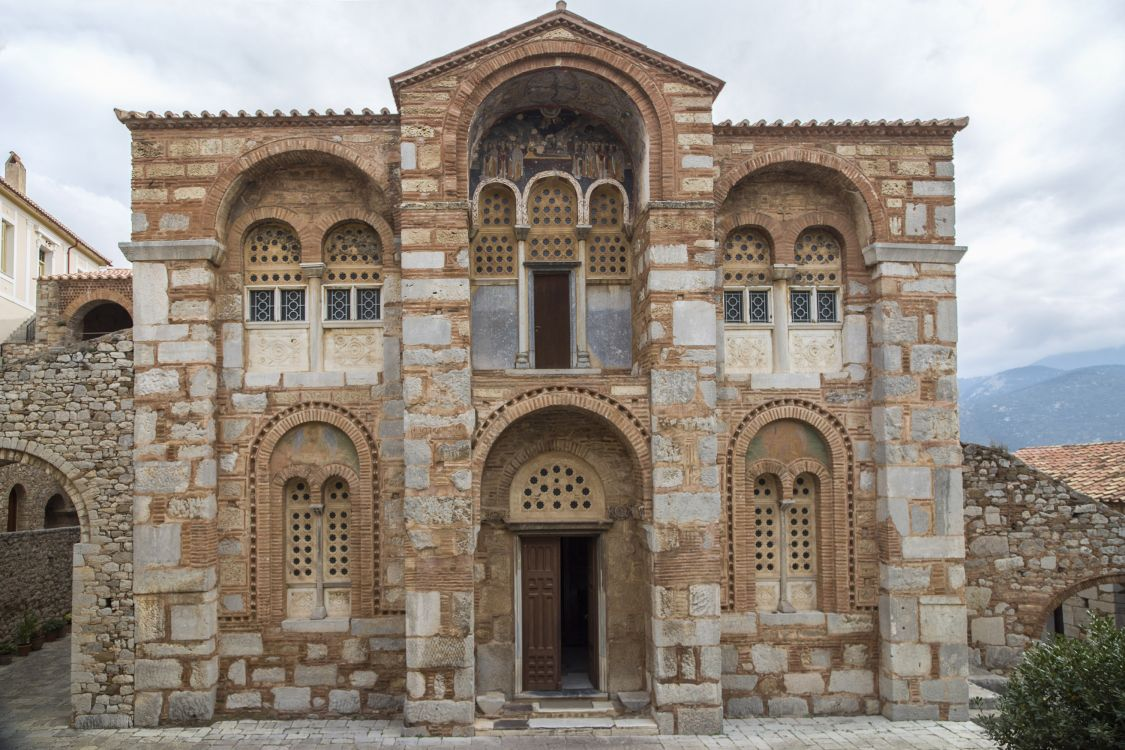 Греция, Западная Греция, Осиос Лукас. Монастырь Луки Елладского. Собор Луки Елладского (Стириота), фотография. фасады, западный фасад