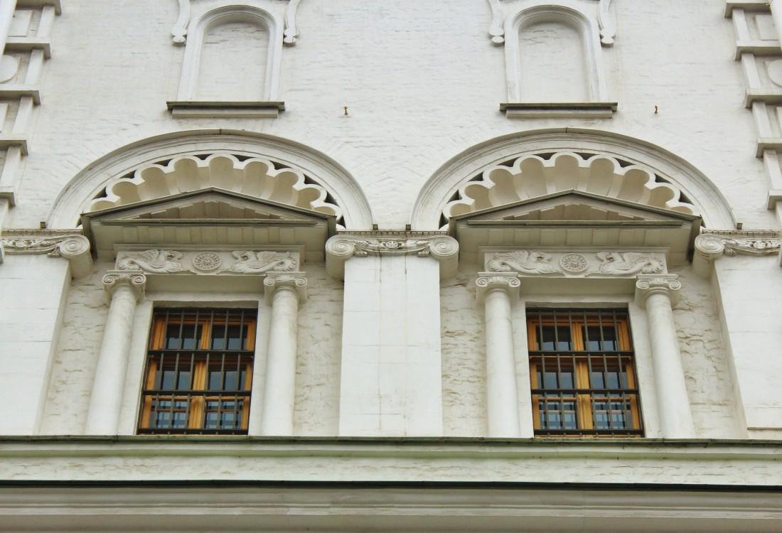 Кремль. Собор Николая Чудотворца (Николы Гостунского) в Успенской звоннице, Москва