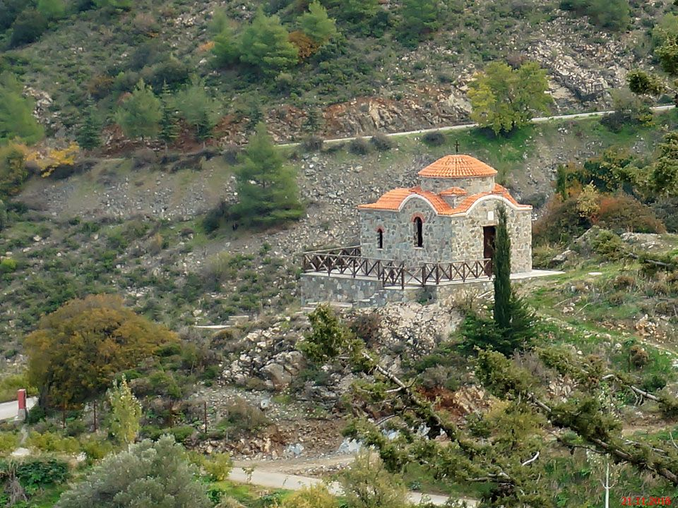 Монастырь Махерас. Неизвестная церковь, Лазания