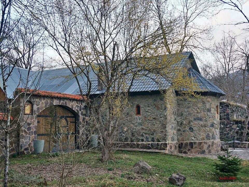 Георгиевский монастырь. Неизвестная церковь, Садгери