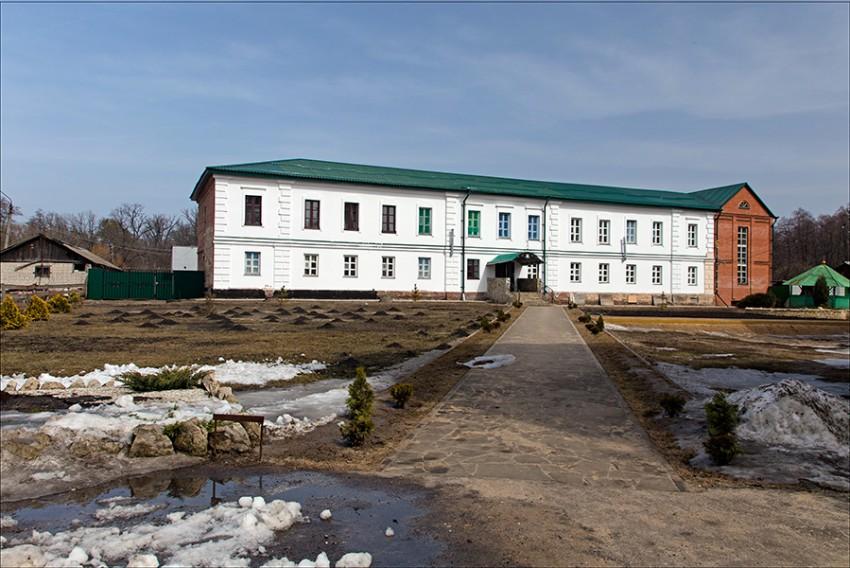 Толшевский Спасо-Преображенский женский монастырь. Домовая церковь Успения Пресвятой Богородицы, Толши