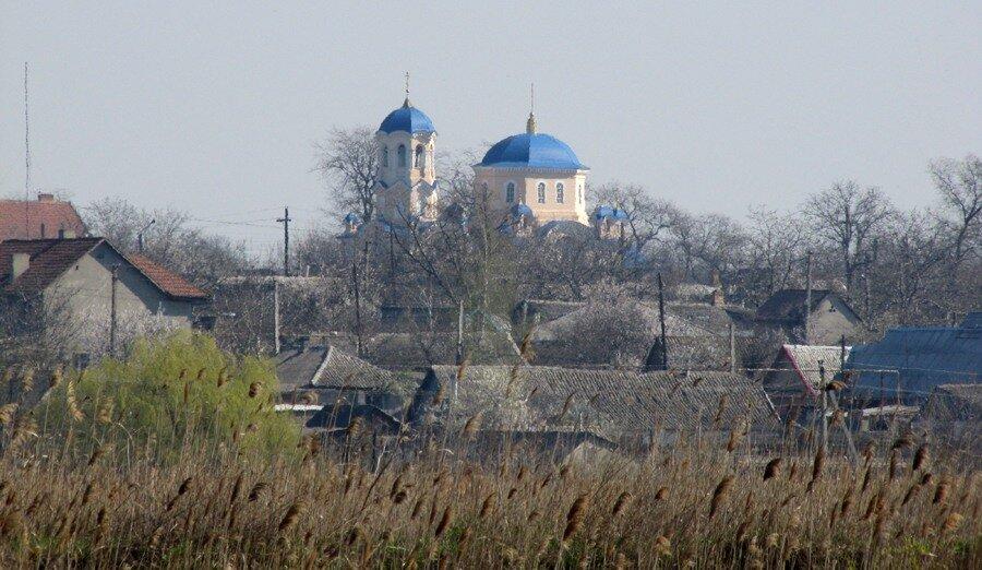 Украина, Одесская область, Измаильский район, Измаил. Церковь Рождества Пресвятой Богородицы, фотография. общий вид в ландшафте