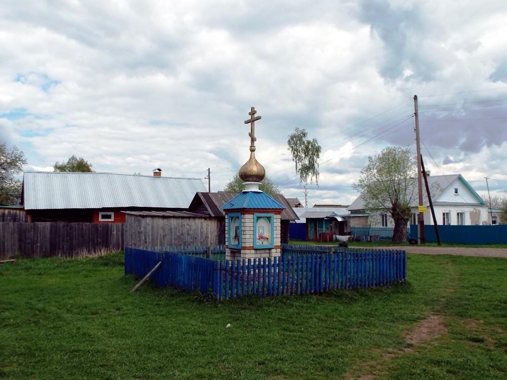 Республика Марий Эл, Волжский район и г. Волжск, Большой Олыкъял. Часовенный столб, фотография. фасады