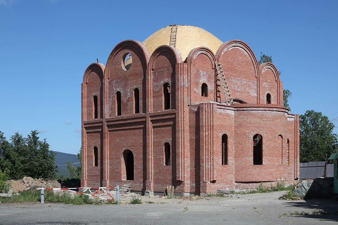 Церковь Петра и Павла (строящаяся), Златоуст
