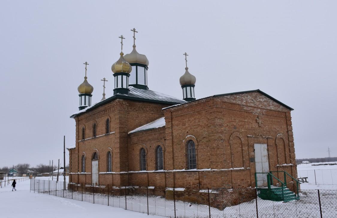 Казахстан, Западно-Казахстанская область, Коловертное. Церковь Рождества Христова, фотография. фасады
